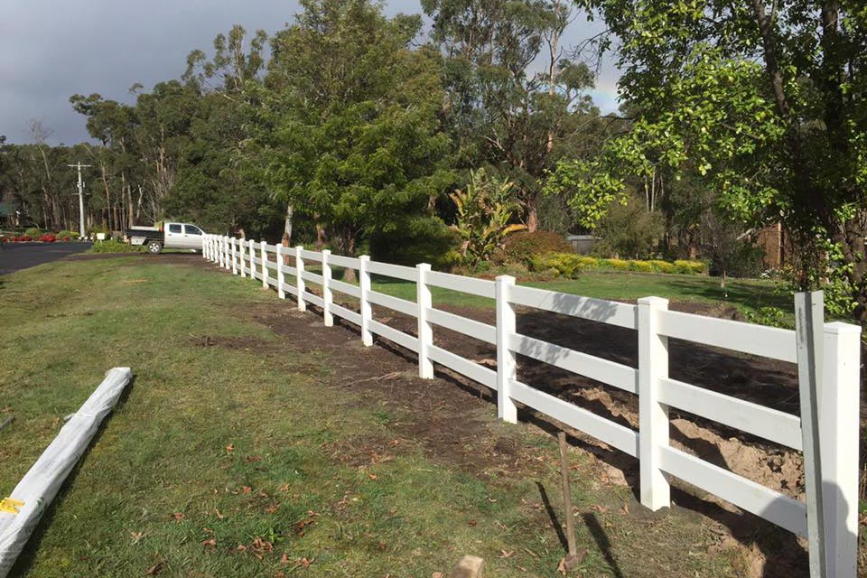 post-rail-pvc-fencing01