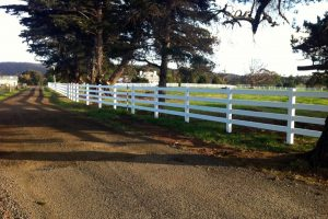 post-rail-pvc-fencing04