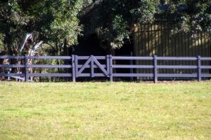 post-rail-pvc-fencing05