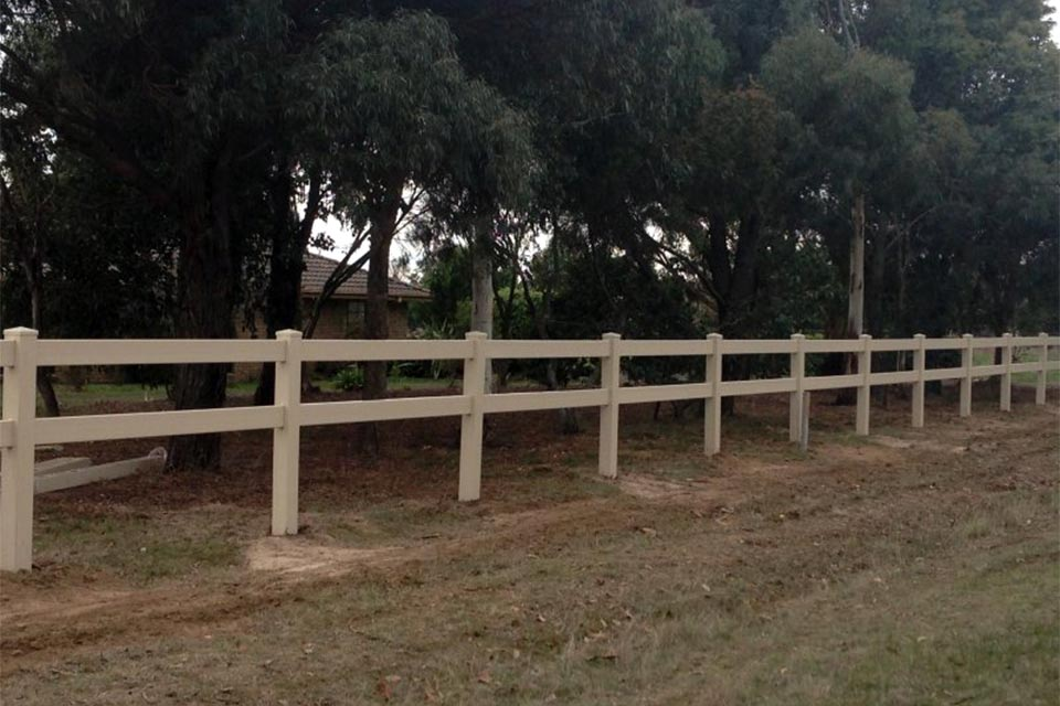 post-rail-pvc-fencing07