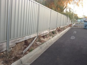 pvc-lysaght-fence-think-fencing05