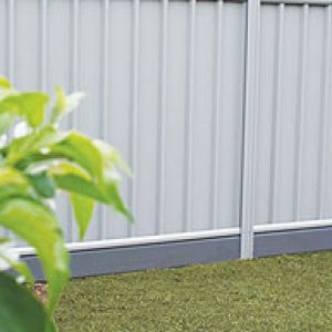 pvc-lysaght-fence-think-fencing06